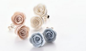 3 pairs of rose ear studs